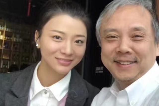著名导演陈嘉上娶小30岁嫩妻 女方疑怀有身孕