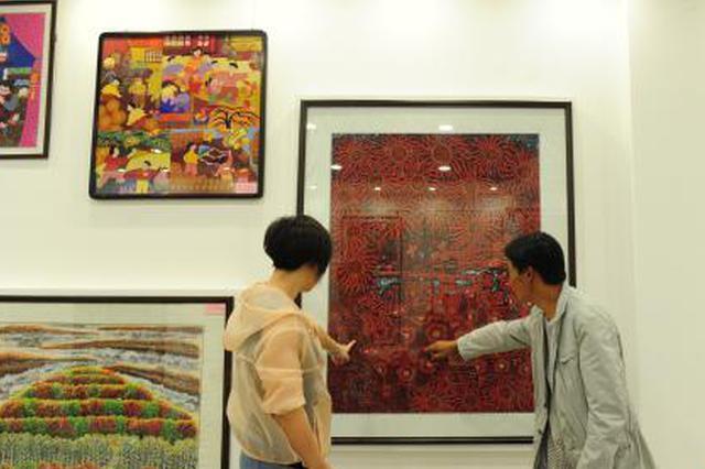 吉林桦甸农民作画蔚然成风 五彩颜料绘出田园新生活