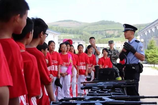白山市:160名小学毕业班师生走进警营