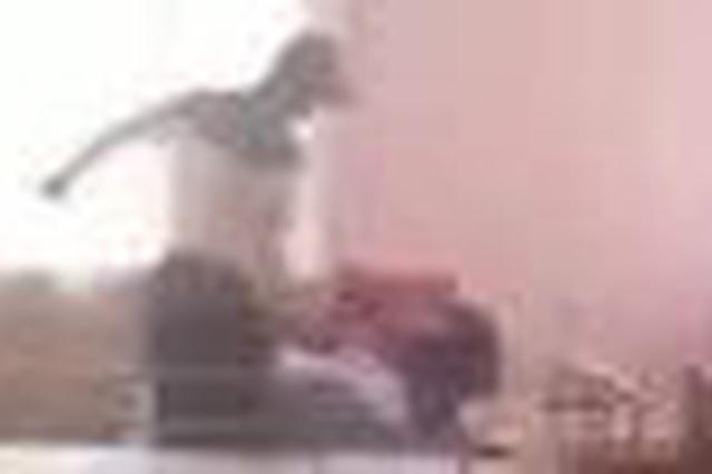 延吉一养老院内用拖鞋抽打老人的犯罪嫌疑人被批捕