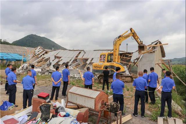 吉林通化国际内陆港务区联合执法拆除违建
