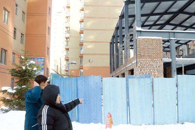 延吉一小区空地突然盖房 遮挡视线居民联名维权!