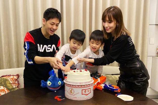 林志颖夫妇为双胞胎儿子庆生 KIMI负责拍照