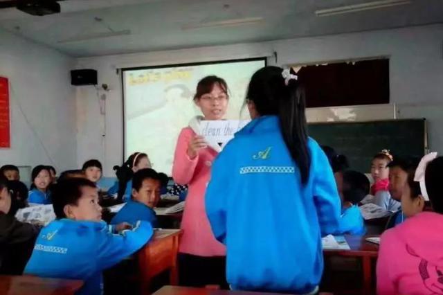 """吉林省教师李杰获全国""""最美基层高校毕业生""""提名奖"""