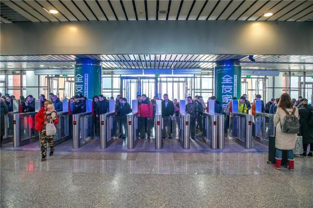 春运期间部分动车组列车和管内临客实行票价优惠政策