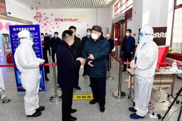 姜治莹到延吉西站、延吉国际机场检查指导疫情防控工作