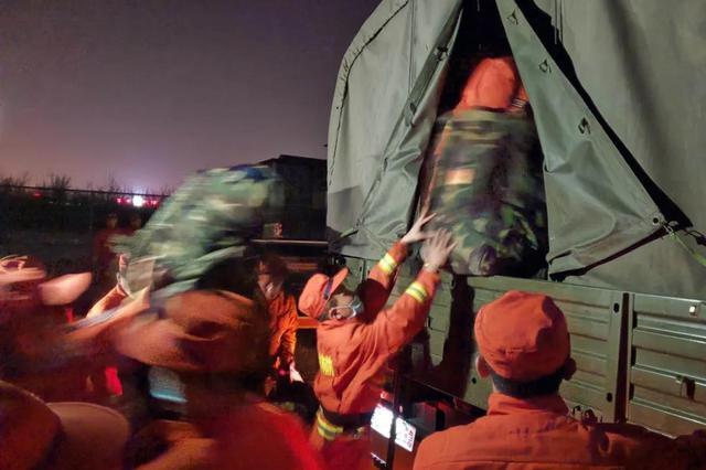 吉林省森林消防总队400名指战员驰援山西火场