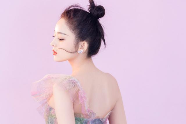 古力娜扎花仙子长裙惊艳迷人 粉色缤纷又少女又梦幻