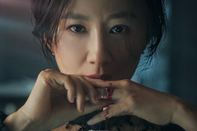 韩剧《夫妻的世界》因尺度过大将接受处罚