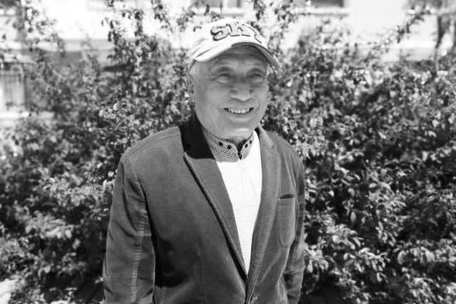 81岁老人数十天创作诗文55篇 将珍贵书稿捐给长春市图书馆