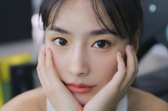 健身美女陈暖央秀性感小蛮腰 魔鬼身材太火辣!
