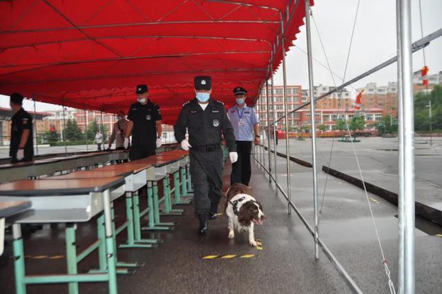吉林省创新开展警犬技术服务高考安保搜爆工作