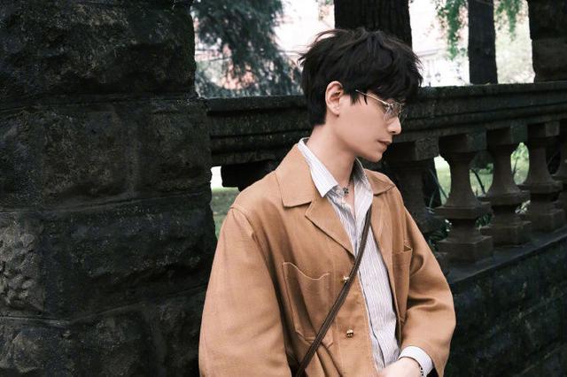 丁禹兮最新时尚大片 文艺复古的慵懒小调