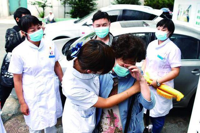 武汉患者跨越千里来长春 专程感谢救治过她的医疗队