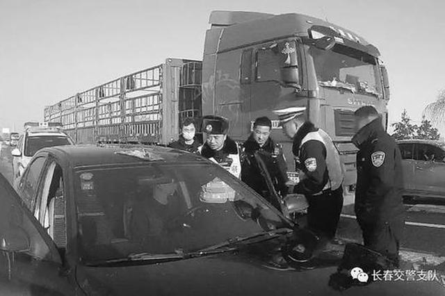 酒驾男子昏睡国道 被德惠交警查获扣12分罚款2千