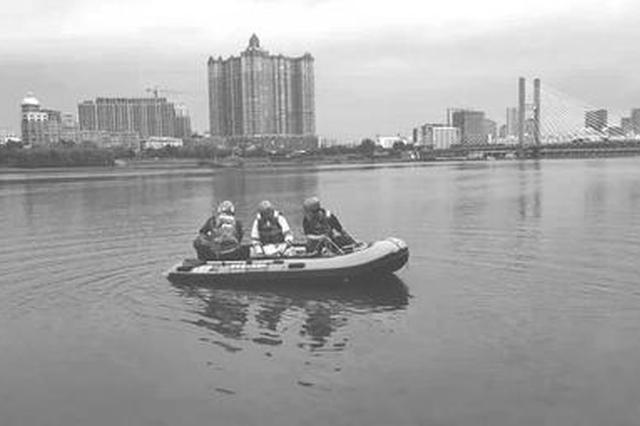 吉林市一男子下江游泳后失联 救援队已经展开搜救