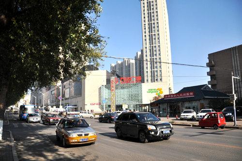 今日的红旗街风貌 (摄于2011年10月)