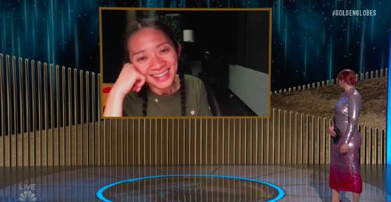 赵婷凭借《无依之地》成为首位拿下金球奖最佳影片的亚裔女性导演。