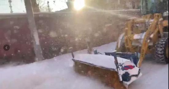 清雪滚刷车
