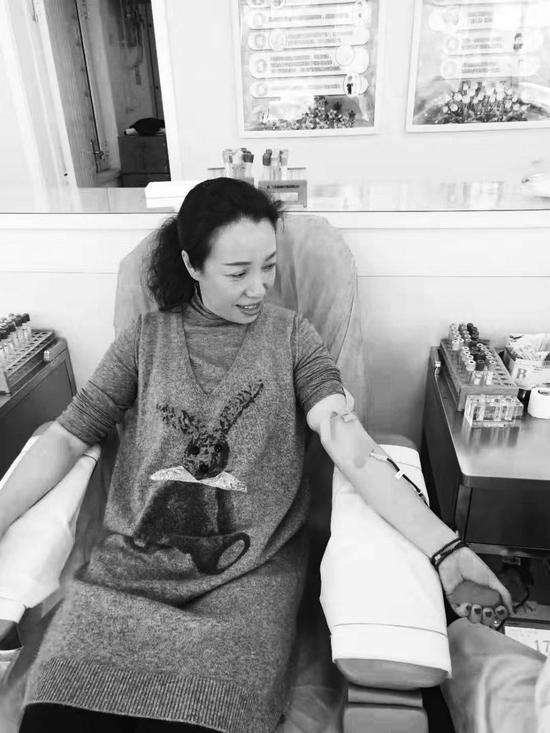 达兴社区志愿者无偿献血。 赵婉姝 摄