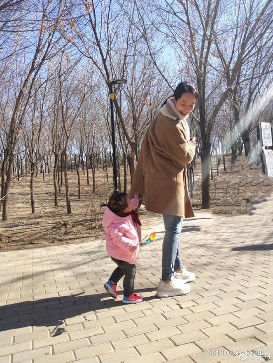朱丹和女儿