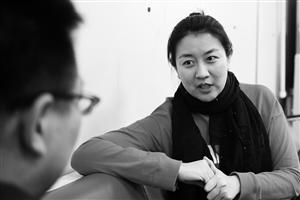 刘杨在接受记者采访。 石天蛟 摄