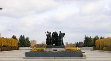 秋日里的长春世界雕塑公园
