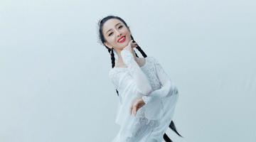 佟丽娅晒民族风造型美图