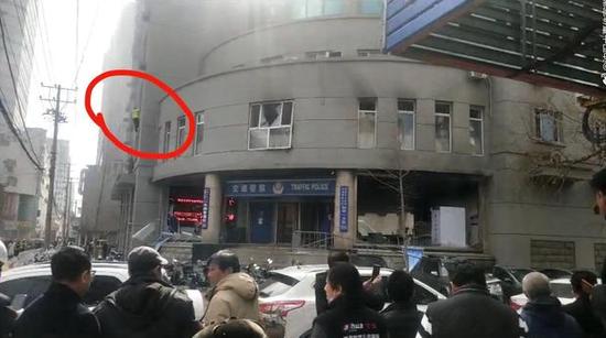 网传沈阳一交警队疑似发生爆炸当地正在处理
