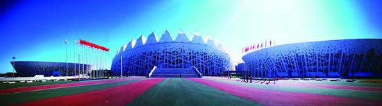 长春奥林匹克公园体育场馆外景。 苑激刚 摄