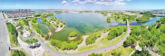 鹤鸣湖水景