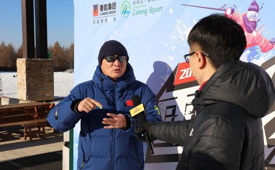 长白山鲁能胜地国际度假区滑雪场总经理王世同在采访中