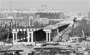 东部快速路延长段仙台大街(卫星路至生态广场段)主体完工。苑激刚 摄