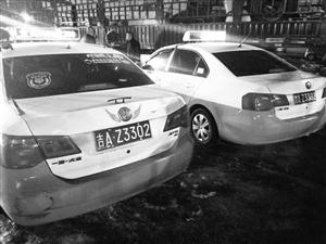 王师傅的出租车和套牌车。梁闯 摄