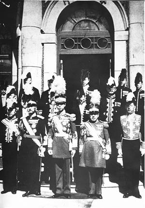 1937年2月17日(正月初七),溥仪在勤民楼健行斋会见关东军司令官植田谦吉。
