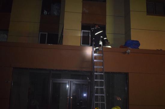 照片由消防提供