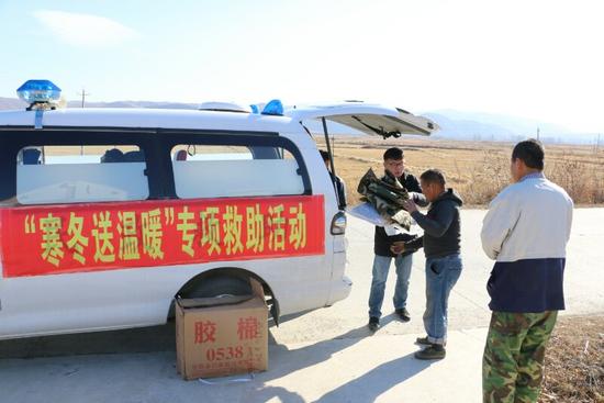 寒冬送温暖 龙井市设立4处临时救助点