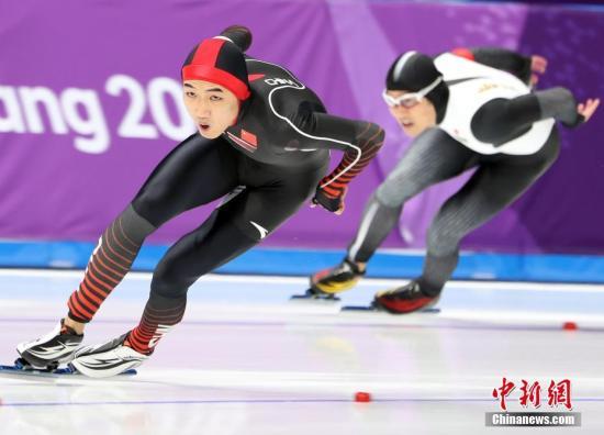 资料图:在平昌冬奥会速度滑冰男子500米项目决赛中,高亭宇以34.65秒的成绩赢得铜牌。 中新社记者 宋吉河 摄