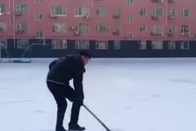 吉林球迷用6小时在雪地上数万步踩出巨幅詹姆斯头像