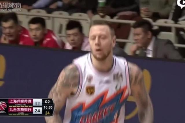 CBA联赛第33轮 吉林东北虎客场103-121上海