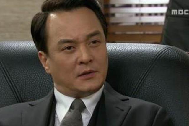 52岁韩男星被曝性骚扰女大学生 闪电关闭社交账号