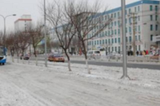 截至23日下午 长春市内主要街路积雪已清扫完毕