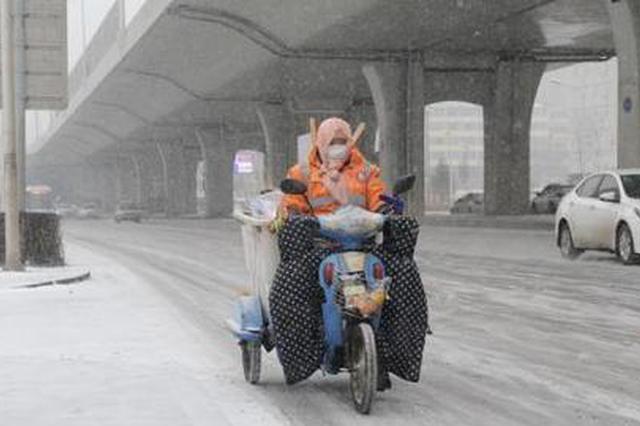 吉林两周迎三轮强降雪:交通受阻 农业遇考验