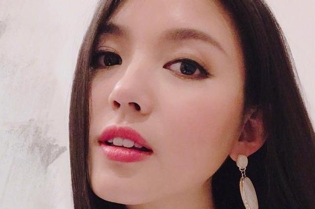 张梓琳长发披肩美如少女 淡妆精致清纯漂亮