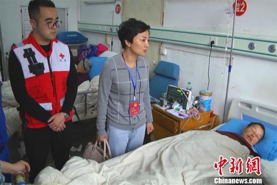 经救援队多方搜寻获救,叶应珠被安全送往了医院,身体无大碍。江西省红十字会供图
