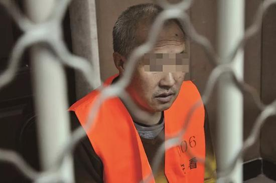 周晓亮被关押在黑龙江省安达市公安局看守所。 本文图均为 方圆微信公众号 图