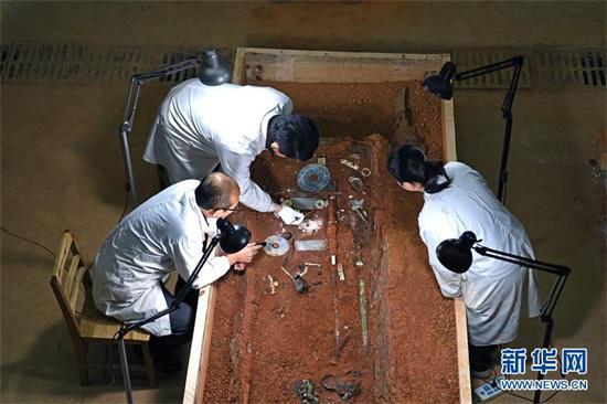 江西:仙人洞里说丰年 海昏遗址看文化