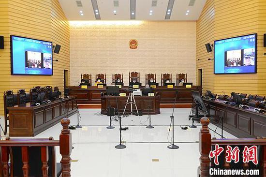 3月25日,江西省上饶市中级人民法院通过视频连线的方式,公开开庭审理了被告彭某侵害英雄烈士名誉权案。上饶中院供图