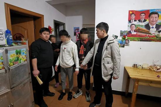 鹰潭警方破获系列盗窃商铺案 3名嫌疑人落网