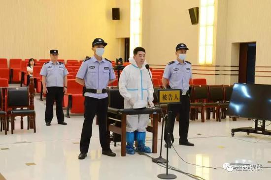 马玉福滥用职权、包庇黑社会性质组织、受贿案开庭审理